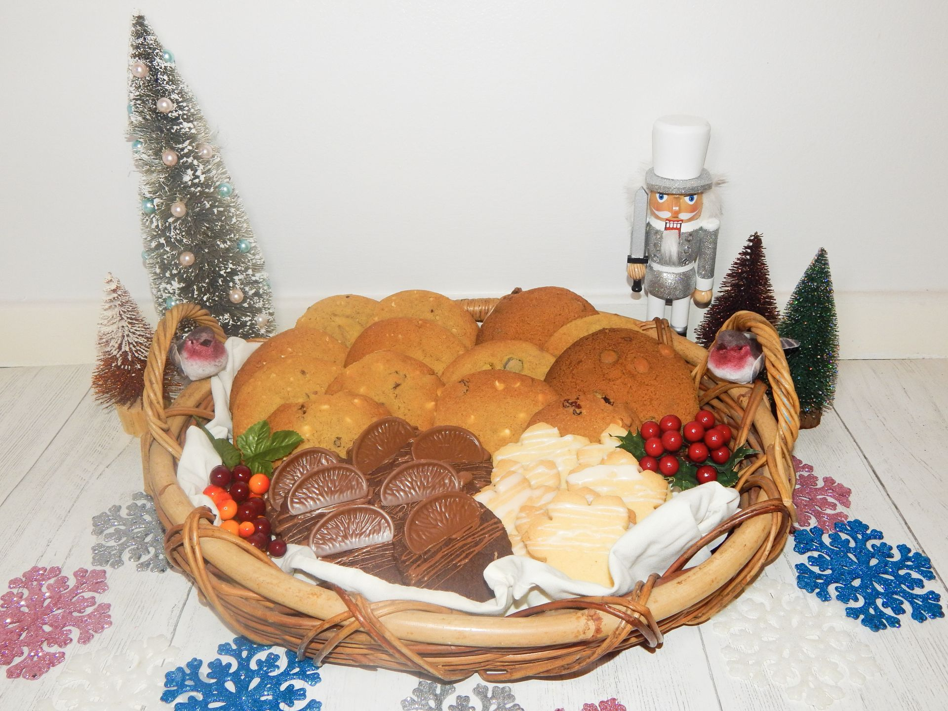 Christmas Themed Cookie Box | Includes 5 Cookie Recipes!